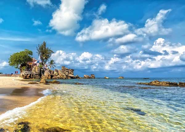 белоснежный пляж на острове фукуок