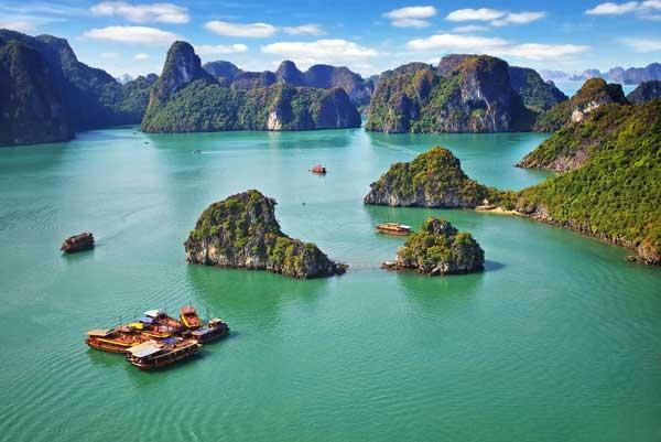 популярный курорт на севере Вьетнамае Халонг