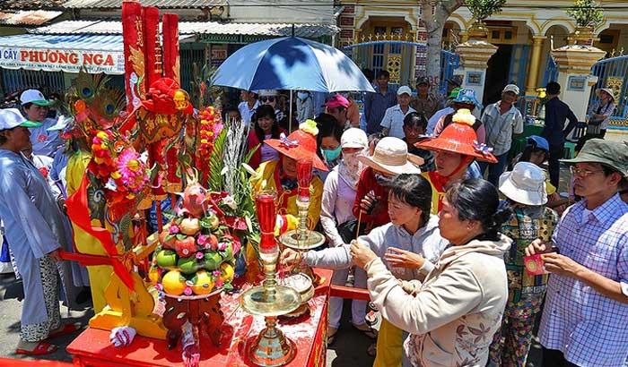 Празднование Духа Куан Конг во Вьетнаме