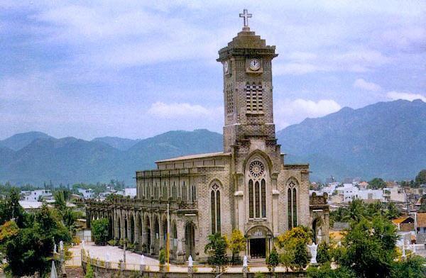 католический собор Св. девы Марии в Нячанге