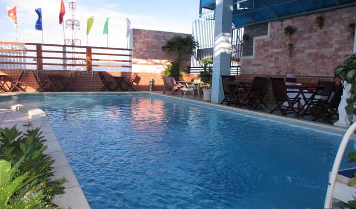 бассейн в отеле Олимпик (Нячанг)