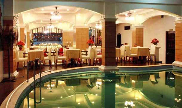 Бар в отеле Palm Beach Hotel Nha Trang 3