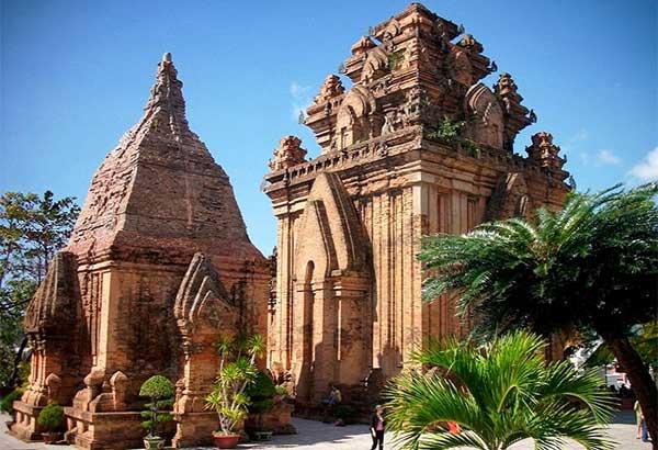 Башни По Нагар во Вьетнаме фото
