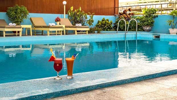 Бассейн в отеле Nha Trang Lodge 4*