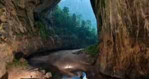 Самая большая пещера во Вьетнаме Шондонг фото