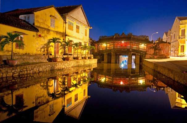 Японский крытый мост в Хойан (Вьетнам) фото