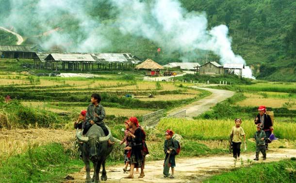 Деревня местных жителей в Сапе
