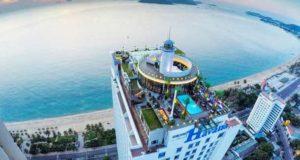 Skylight: 360 Skydeck & Rooftop Beach Club фото