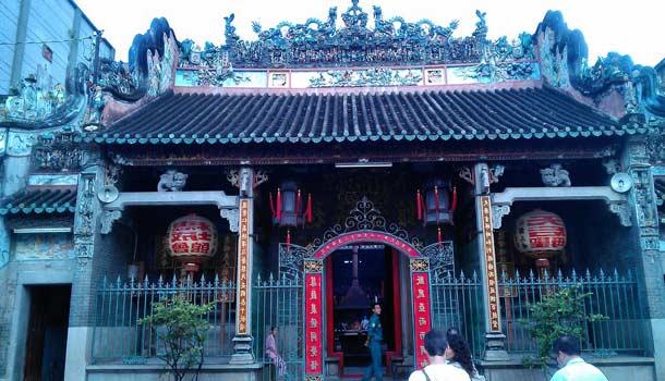 Пагода Тхиен Хау в Хошимине (Сайгон)