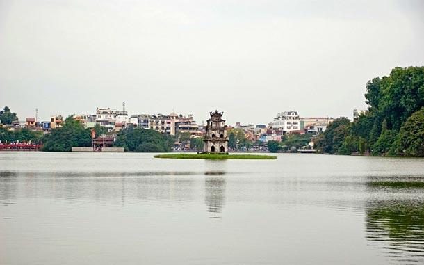 Озеро Возвращенного меча в Ханое