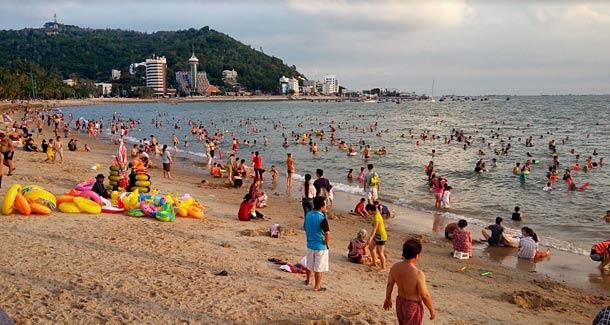 Пляж Бай Чыок в Вунгтау (Вьетнам)