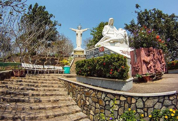 Статуя Иисуса в Вунгтау (Вьетнам)