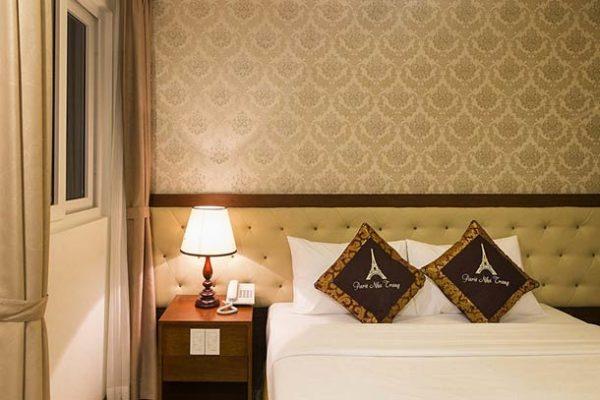 Апартаменты для двоих класса «superior» отель Paris 3*