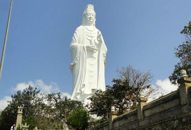 Статуя Леди-Будда в Дананге