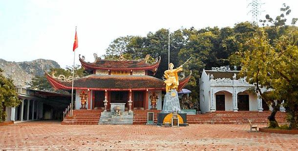 Храм Нгхе, повященный Ле Чан