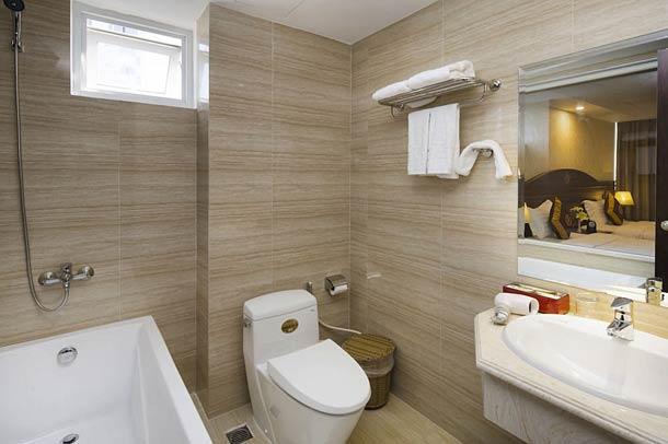 Ванная комната в отеле Regalia Hotel 3 Nha Trang