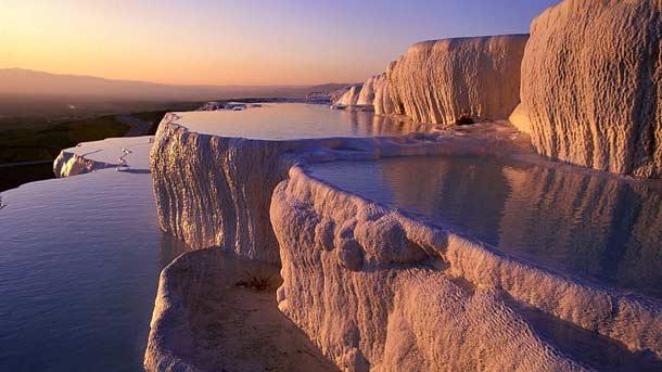 Геотермальные источники Памуккале в Турции