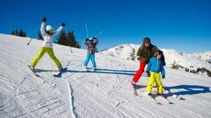 Почему обязательно стоит покататься на лыжах